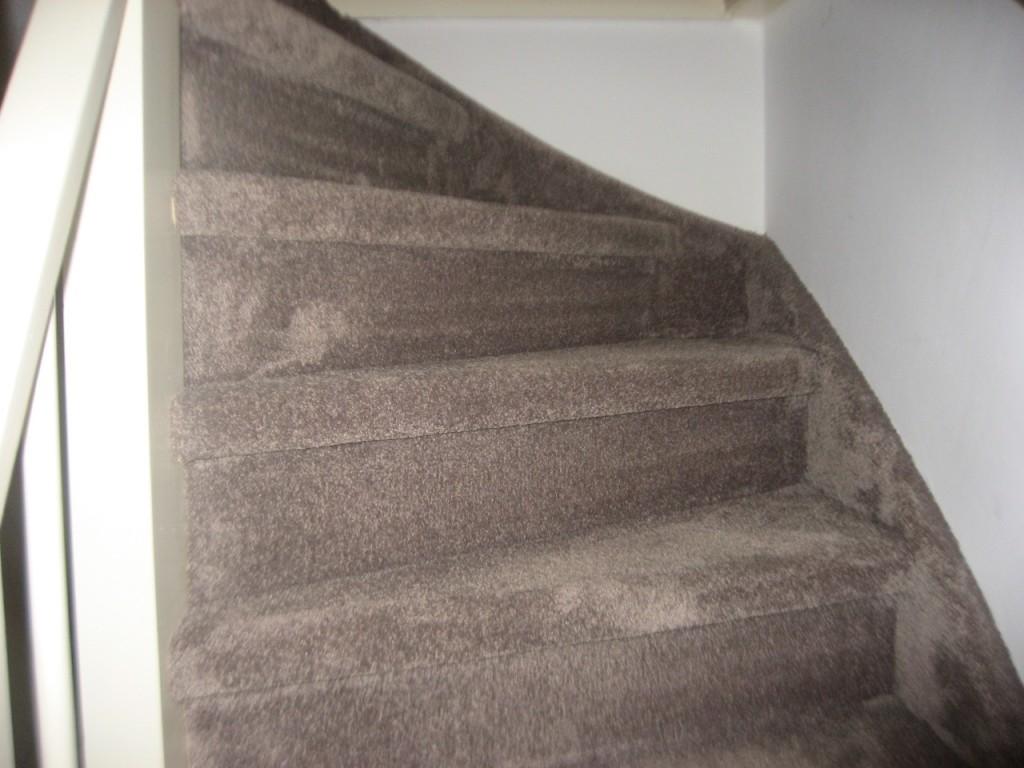 Vloerbedekking dichte trap met zijkanten hd interieurs